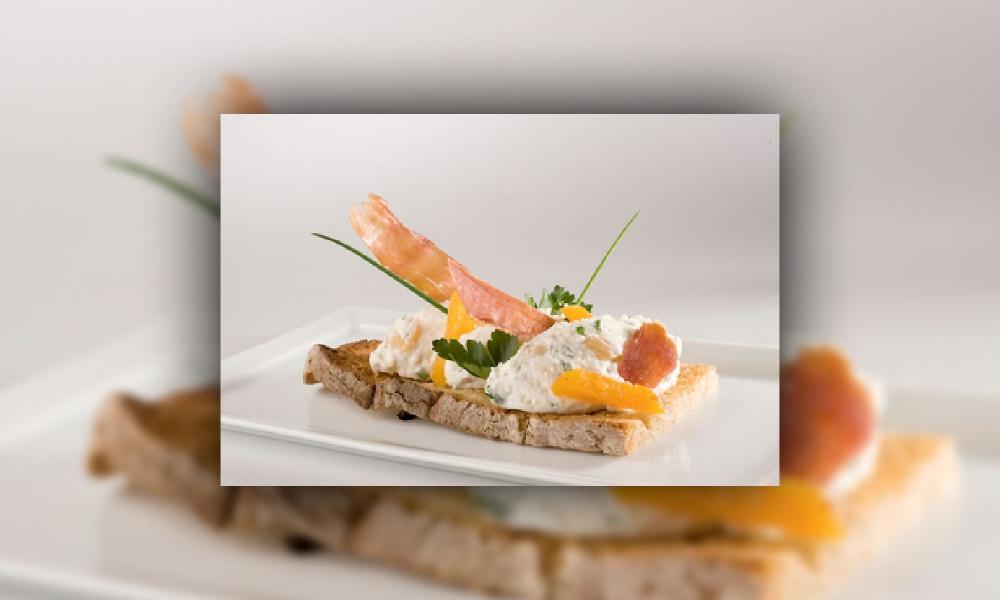 Mousse de brebis et copeaux de vieux jambon basque aux herbes folles, Grégory COUTENCEAU