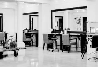 Un coiffeur vip au top de la couleur - Salon de coiffure vip ...