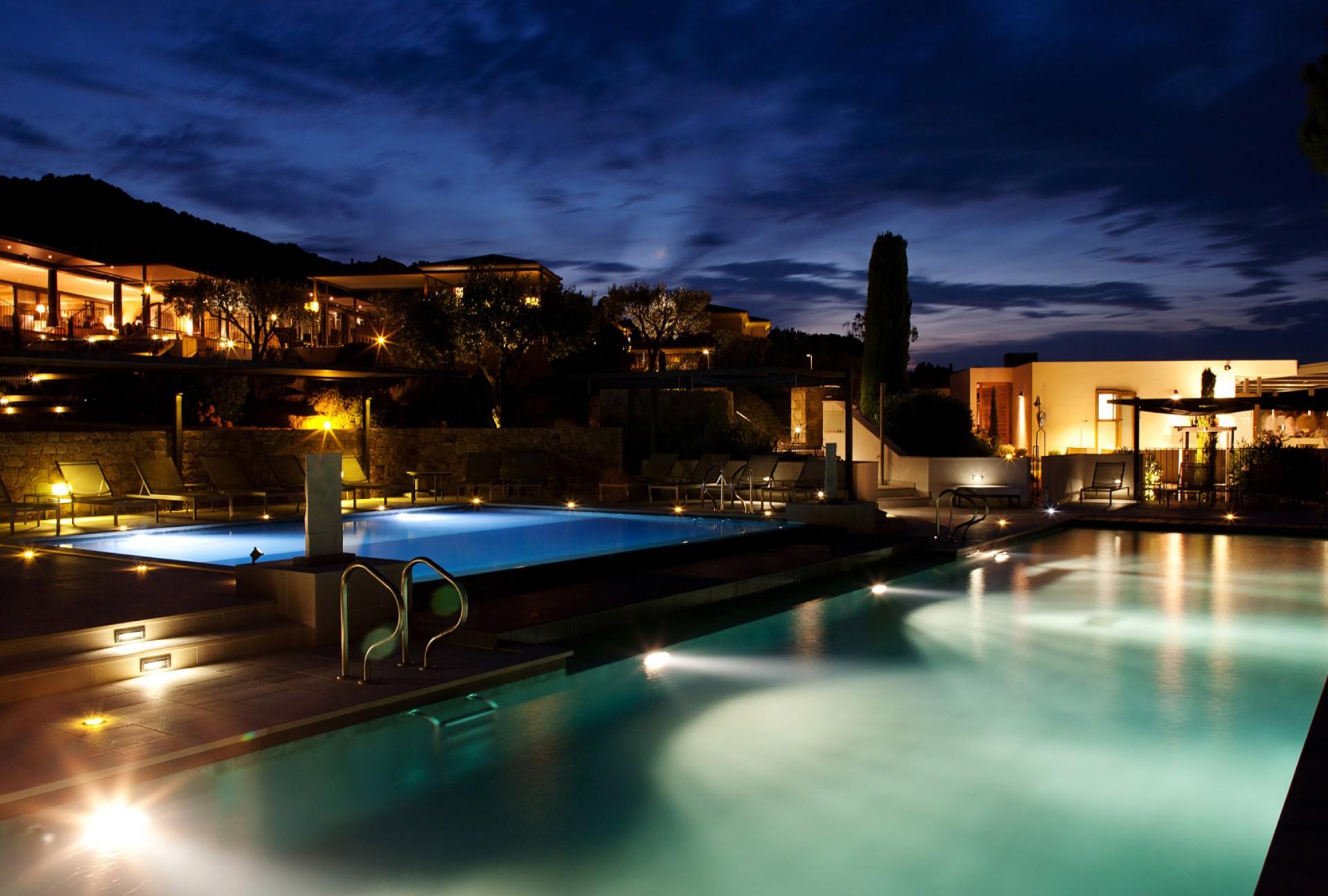 villa calvi nuit