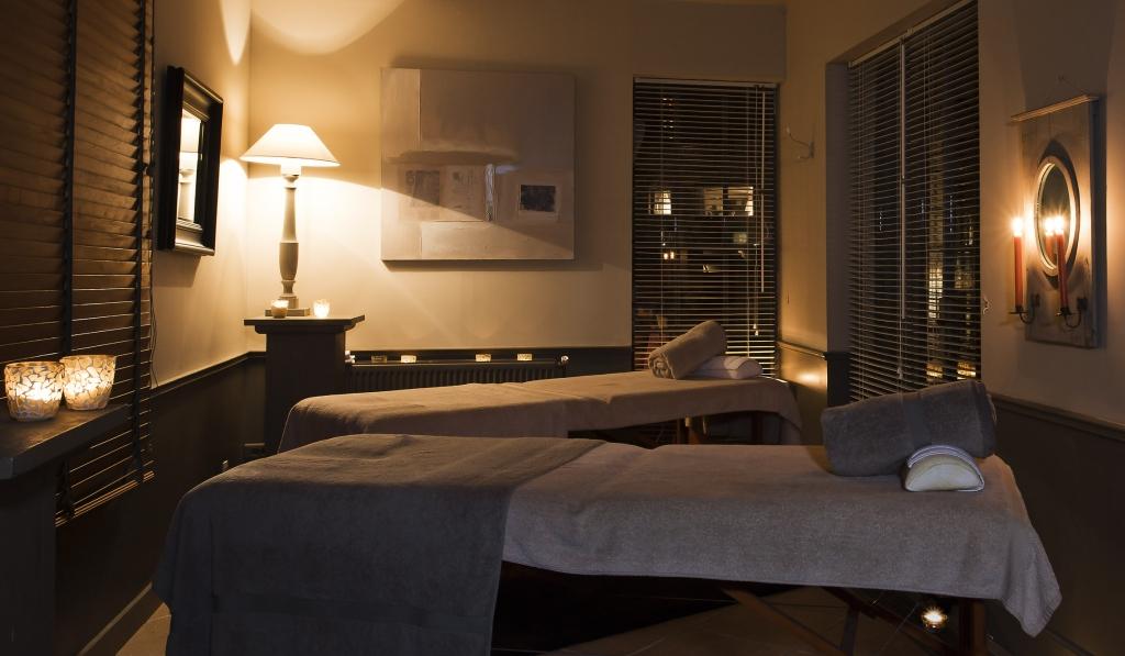 ch teau de courban le charme de la bourgogne l 39 h tel spa. Black Bedroom Furniture Sets. Home Design Ideas